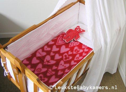 Wiegdeken Baby hearts wol rood